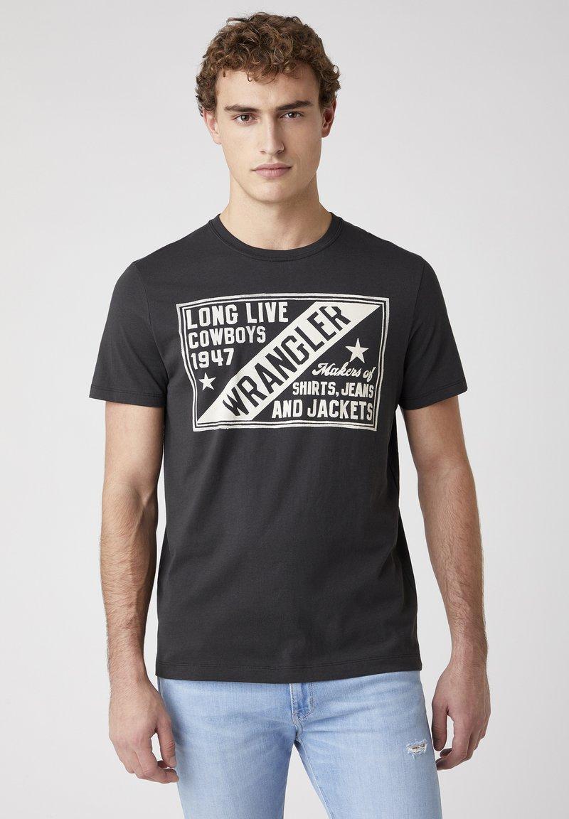 Wrangler - T-shirt med print - faded black