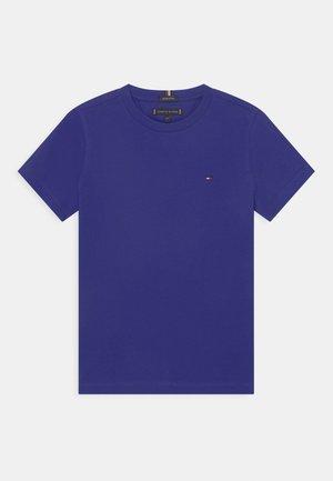ESSENTIAL TEE  - T-shirt basique - court purple