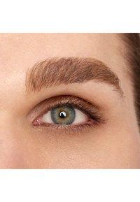 Nyx Professional Makeup - FILL&FLUFF EYEBROW POMADE PENCIL - Eyebrow pencil - blonde - 5