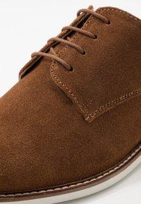 Pier One - Šněrovací boty - dark brown - 5