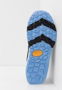 New Balance - WTHIERR5 - Zapatillas de trail running - black - 4