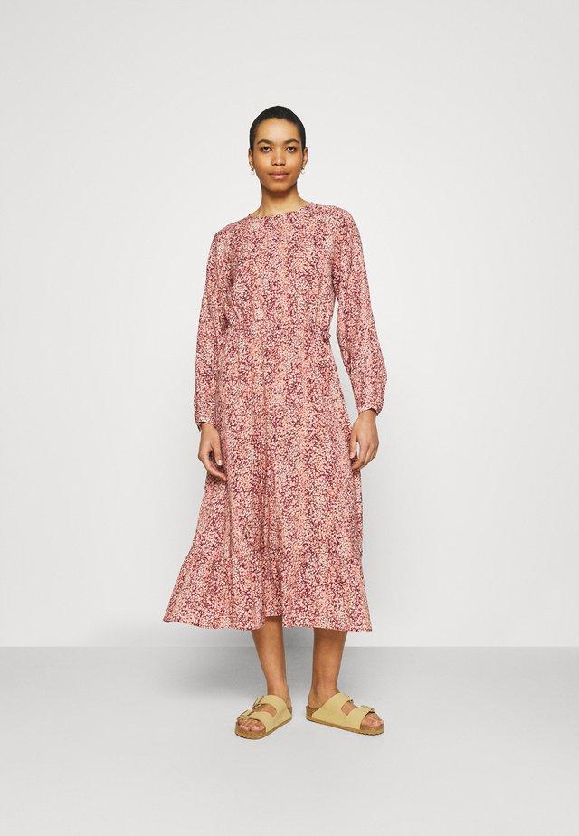 AILISA DRESS - Kjole - zinfandel