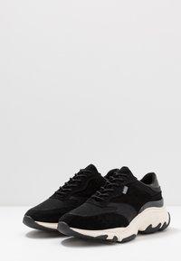 Pregis - KAYO - Sneaker low - black/white - 2