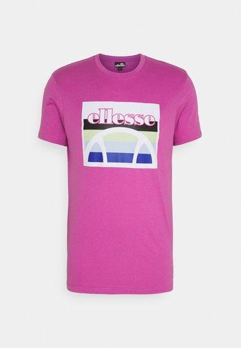 PINUPO TEE - Camiseta estampada - pink