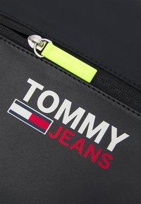 Tommy Jeans - CAMPUS TWIST CHEST BAG - Bum bag - black - 4