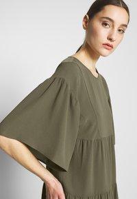Sisley - Day dress - khaki - 4