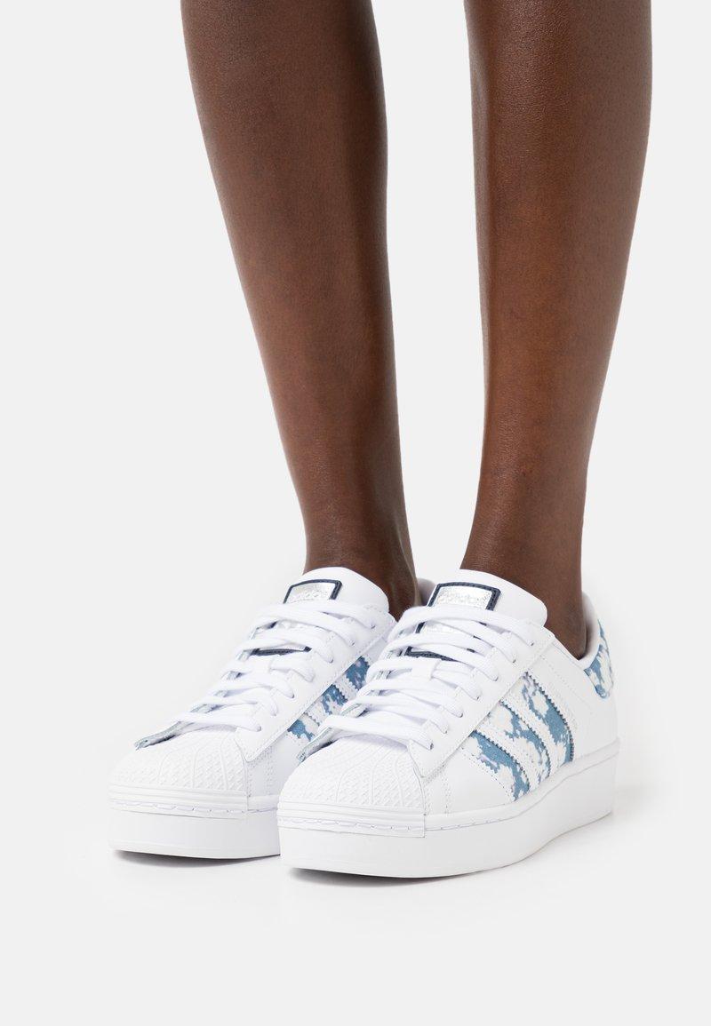 adidas Originals - SUPERSTAR BOLD  - Tenisky - footwear white/ambient sky/silver metallic