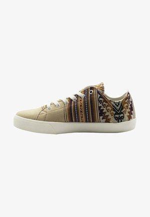 Zapatillas - beis