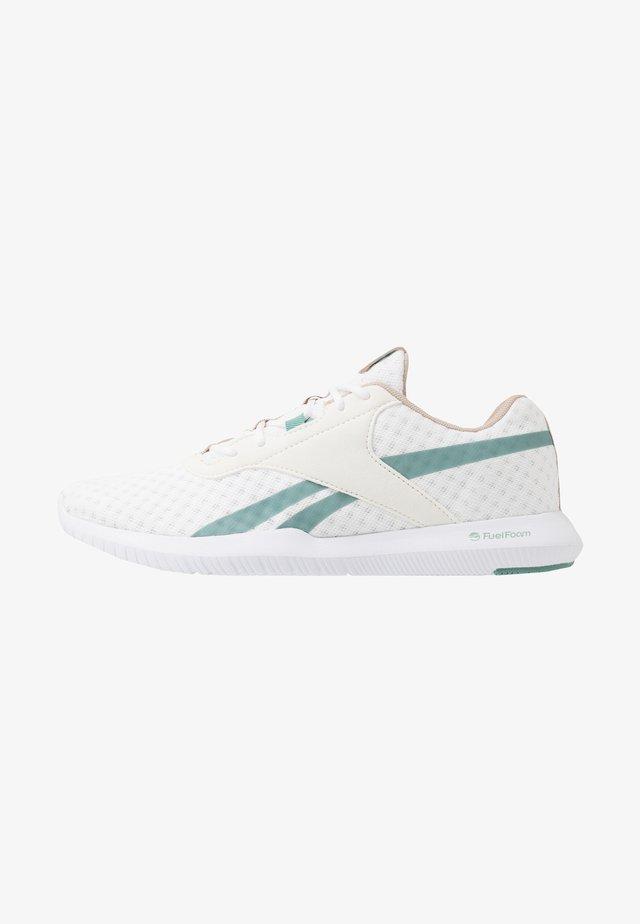 REAGO ESSENTIAL 2.0 - Zapatillas de entrenamiento - white/modern beige/green slash
