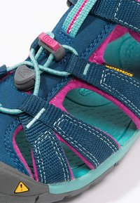 Keen - SEACAMP II CNX - Walking sandals - poseidon/very berry - 5