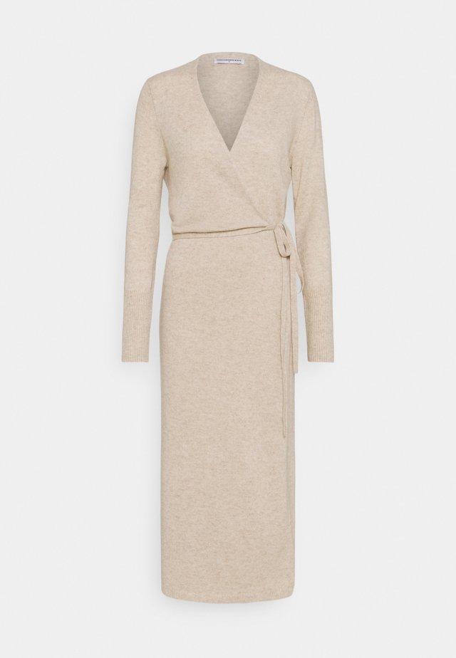 WRAP DRESS - Gebreide jurk - oatmeal