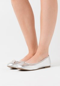 Tamaris - Ballet pumps - silver - 0