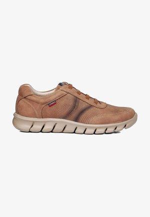 GUMP TIERRA MAZI - Zapatos con cordones - marrón