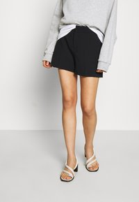 Banana Republic - CLEAN - Shorts - black - 0