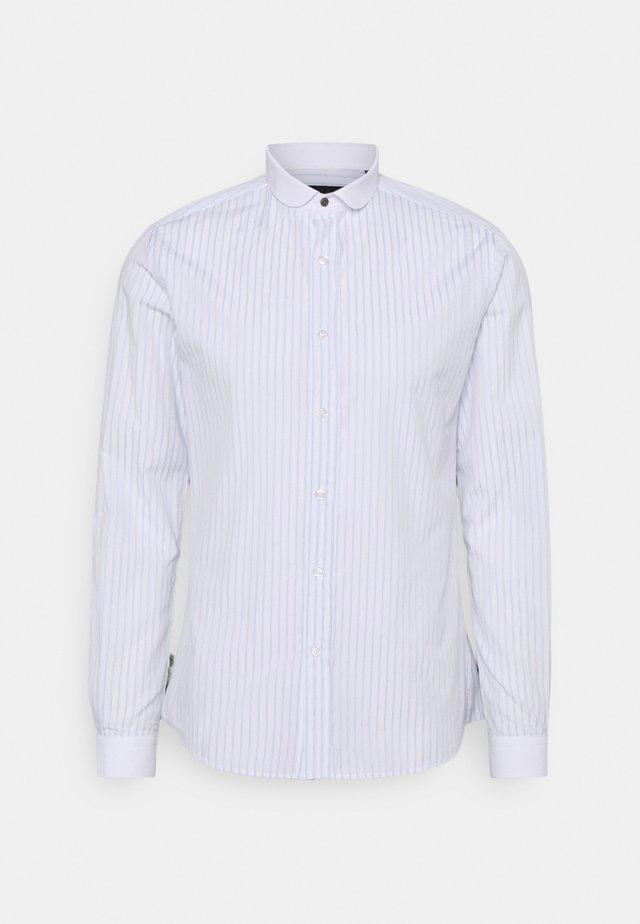 HURSTWOOD - Košile - white/light blue