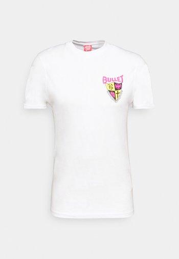 BULLET RIOT UNISEX - Print T-shirt - white