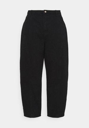 PLUS SEAMED TAPERED LEG - Straight leg jeans - black