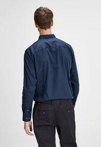 Jack & Jones PREMIUM - Shirt - navy blazer - 2