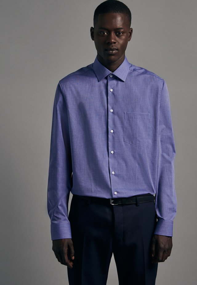 REGULAR FIT  - Koszula - blau
