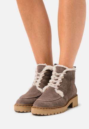 COOL COZY - Veterboots - taupe