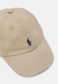 Polo Ralph Lauren - APPAREL ACCESSORIES HAT BABY - Cap - classic khaki - 3