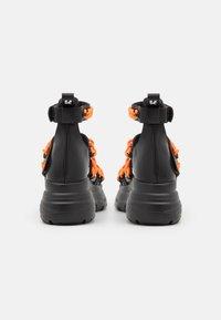 Koi Footwear - VEGAN STRIDENT CHAIN  - Platform sandals - black - 2