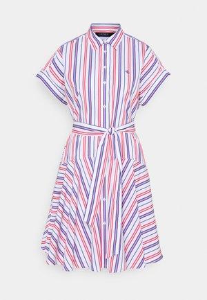 SHENDAL CASUAL DRESS - Košilové šaty - red/blue/white multi