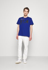 Michael Kors - CITY TEE - T-shirt con stampa - twilight blue - 1