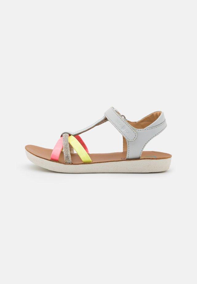 GOA SALOME - Sandaalit nilkkaremmillä - light grey/fluo