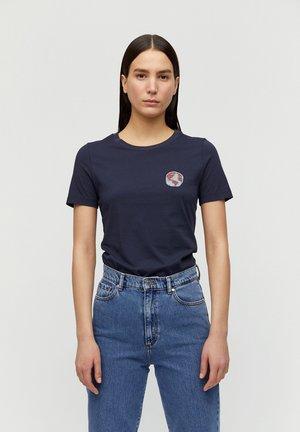 LIDAA SMALL ELEMENTS - Print T-shirt - night sky-off white