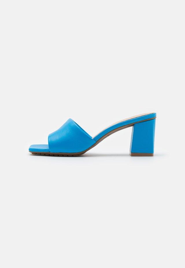 VELALITH - Muiltjes met hak - blue