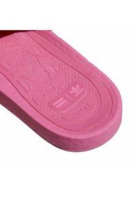 adidas Originals - ADIDAS ORIGINALS  X PHARRELL WILLIAMS BOOST SLIDES - Pool slides -  pink - 7