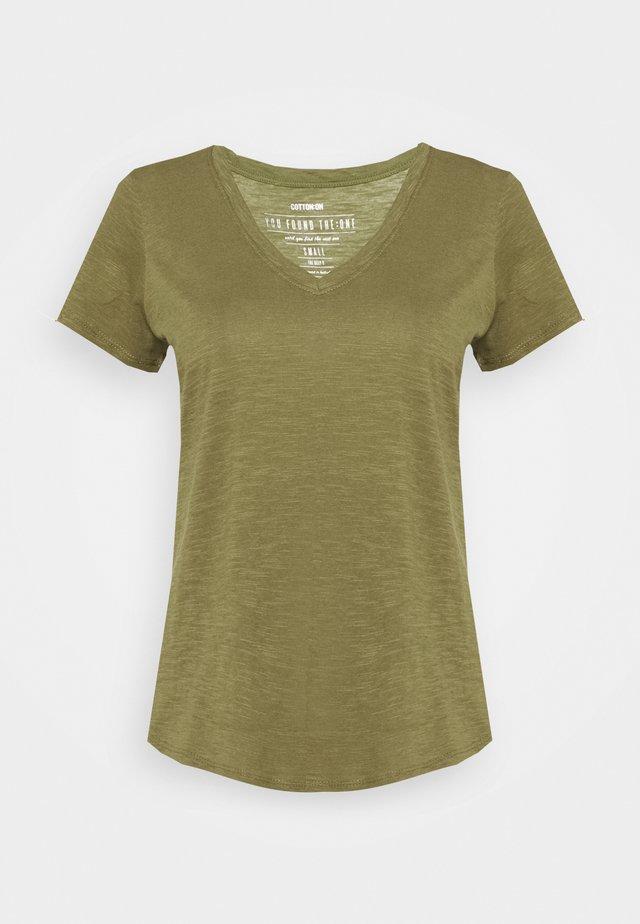 THE DEEP  - Basic T-shirt - burnt olive
