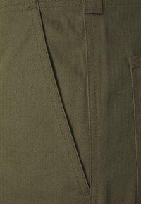 Dickies - FUNKLEY - Shortsit - military green - 5