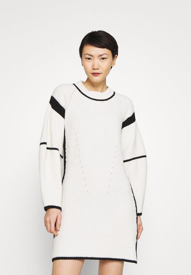 MOMO - Neulemekko - black/white