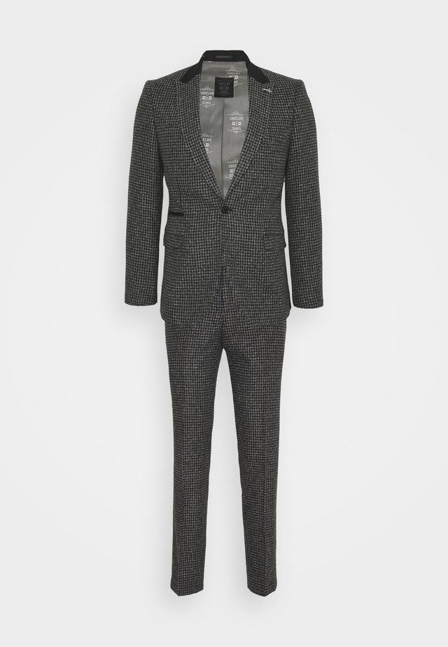 NEW WILBER SUIT - Puku - charcoal