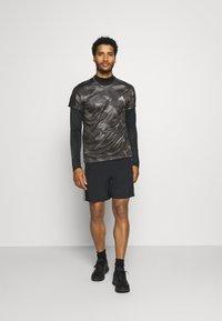 adidas Performance - RESPONSE PRIMEGREEN RUNNING SHORT SLEEVE TEE - Print T-shirt - grefou/grefiv/gresix - 1