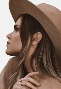 No More - HAMMERED CRAWLER EARRINGS - Earrings - silver - 0