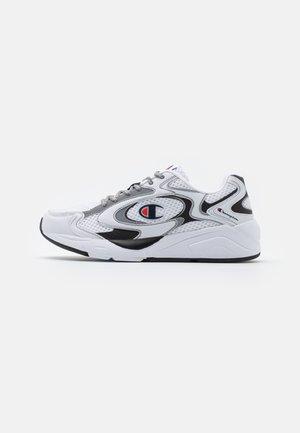 LOW CUT SHOE LEXINGTON 200 REFLECT - Sports shoes - white/new black