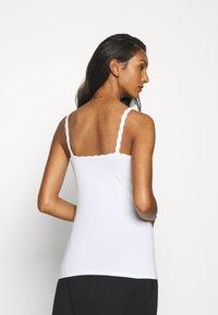 Marks & Spencer London - 2 PACK - Maglietta intima - white - 2