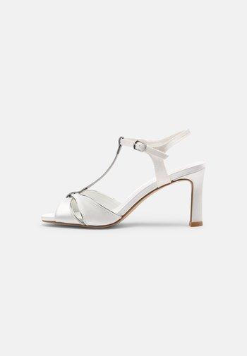 Sandaler - ivory/silver