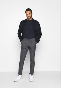 Jack & Jones PREMIUM - JJIMARCO JJSTUART - Broek - black - 1