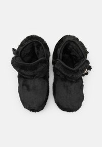 KARL LAGERFELD - KASA TWIN POMPOM BOOT - Slippers - black - 3