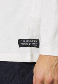 TOM TAILOR DENIM - HIGH COLLAR - Long sleeved top - white - 5