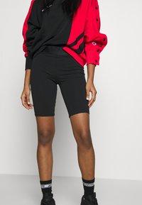 Champion Reverse Weave - FIT - Shorts - black - 3