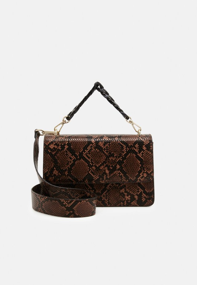 SNAKE MAYA BAG - Kabelka - brownish