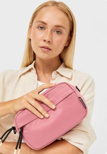 STOFF - Across body bag - pink