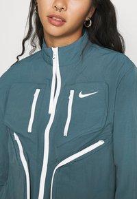 Nike Sportswear - Sportovní bunda - ash green - 5