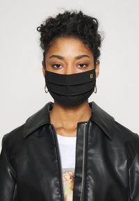 Escada - SOLID LOGO - Community mask - black - 0