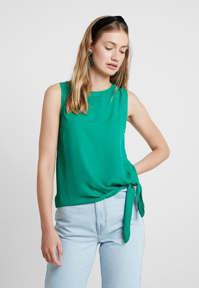 SLEEVELESS WITH SIDE KNOT DETAIL IN HEM - Bluser - greens